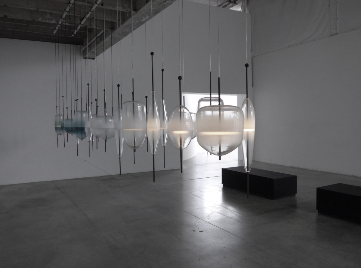 NaoTamura_Horizont01, NAOTAMURA, installation, WonderGlass, blowing glass, lighting, d'daysparis, Palaisdetokyo, Paris, France, Venice, 田村奈穂、田村なお、デザイナー、照明、インスタレーション、ニューヨーク, nao tamura